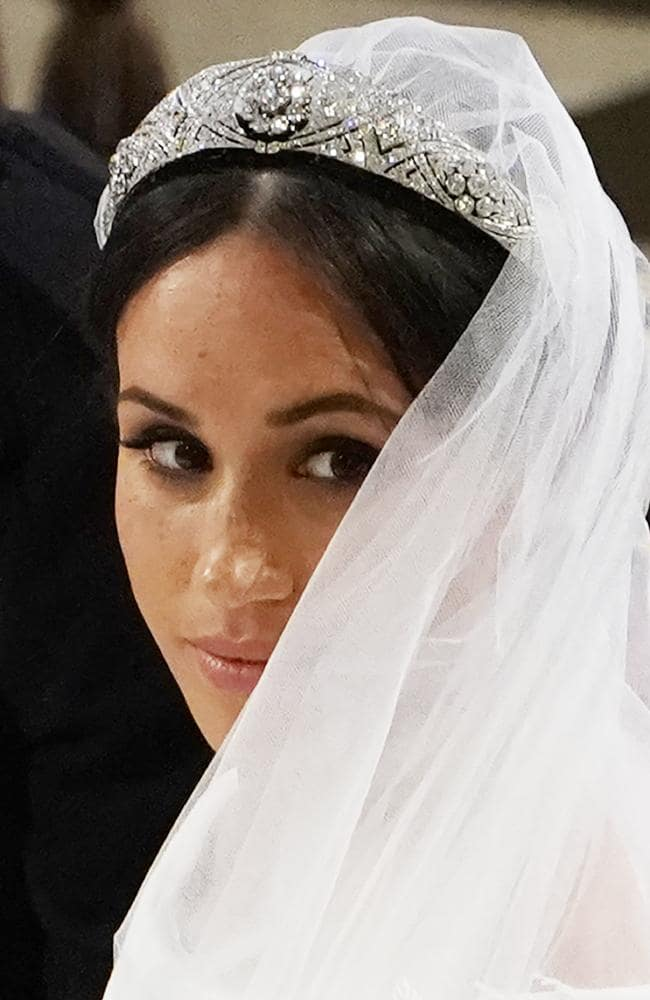 meghan markle stray hair