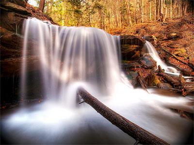 waterfall slow shutter speed